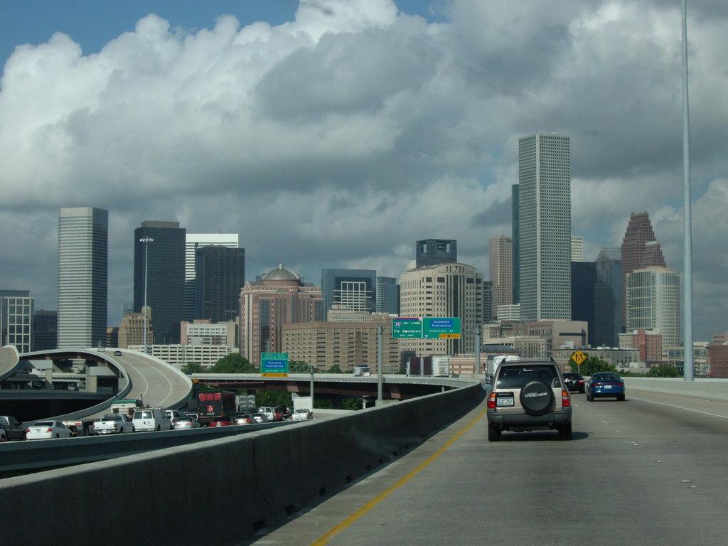 Houston skyline by R4z0r Z 1024x768