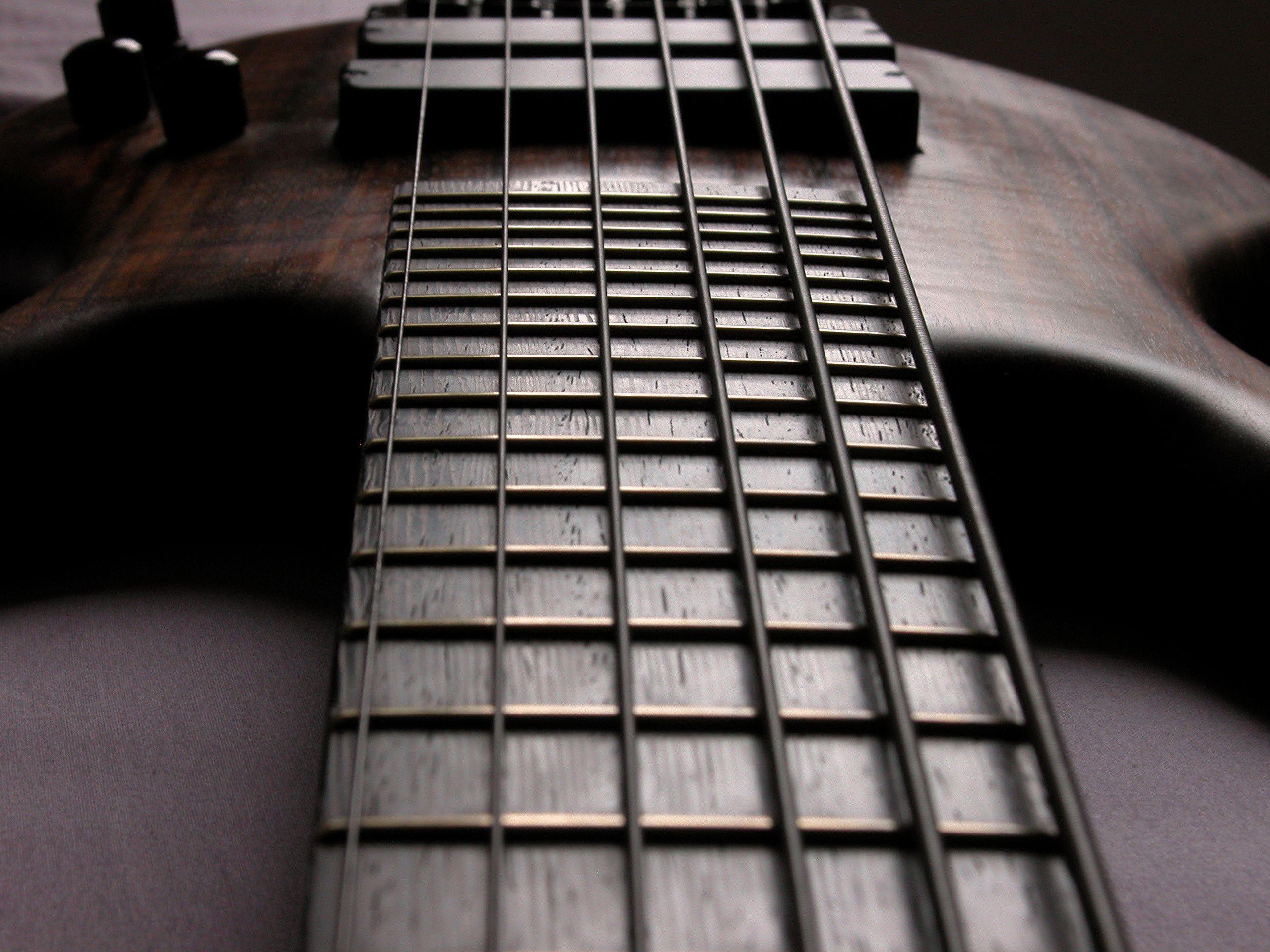 Bass Guitar Wallpapers 2560x1920