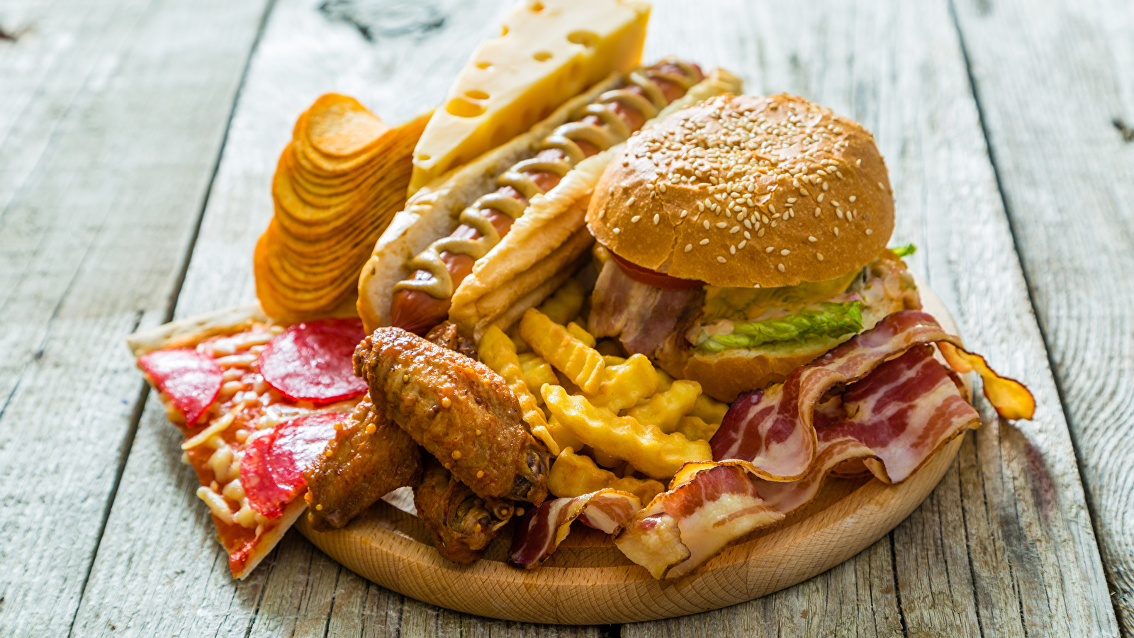 Image Chips Hot dog Hamburger finger chips Cheese Fast food 1600x900 1600x900