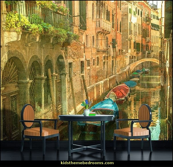 Wallpaper With Italian Themes