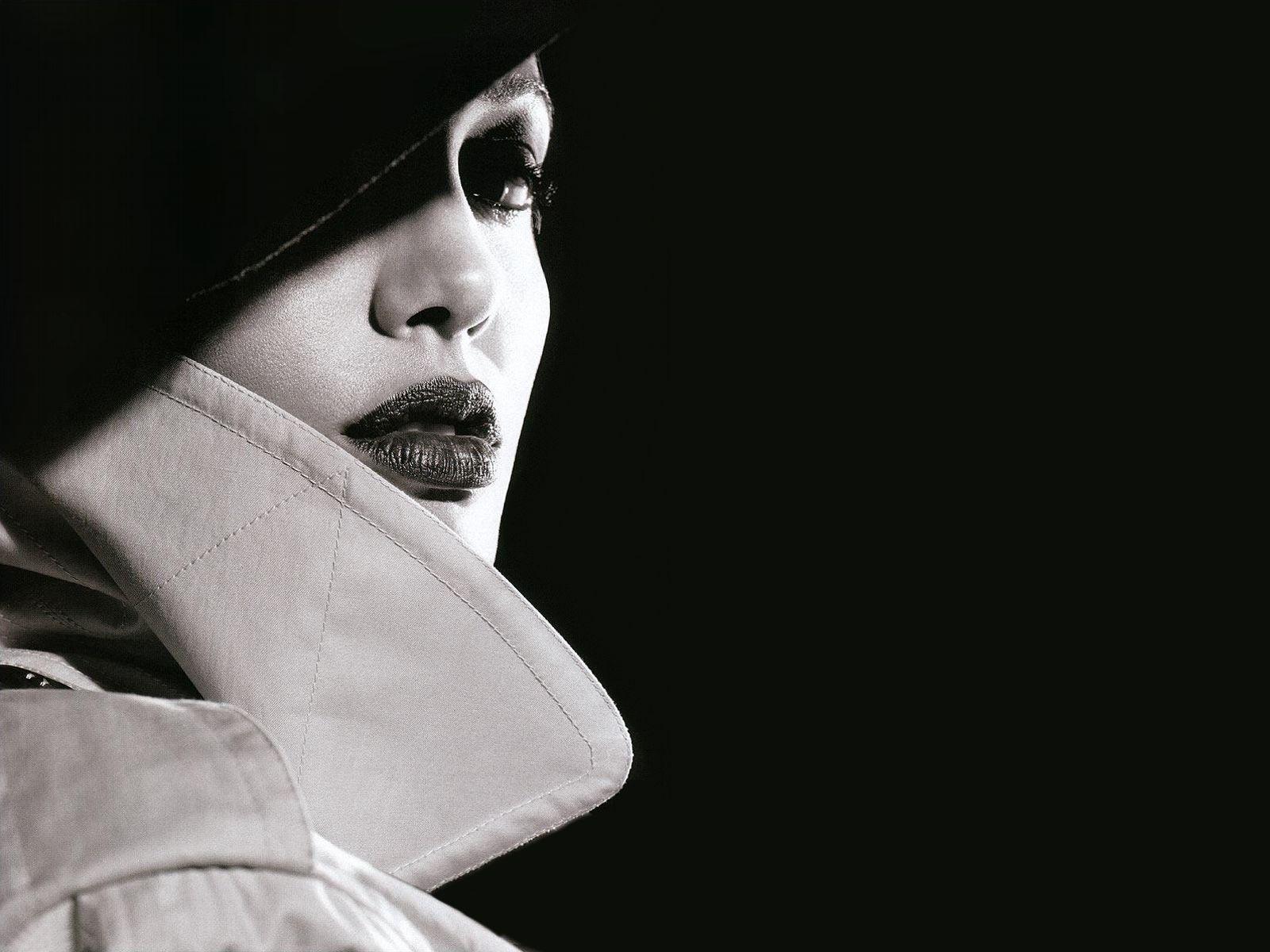 Wallpapers of people   Angelina Jolie Film Noir 1600x1200