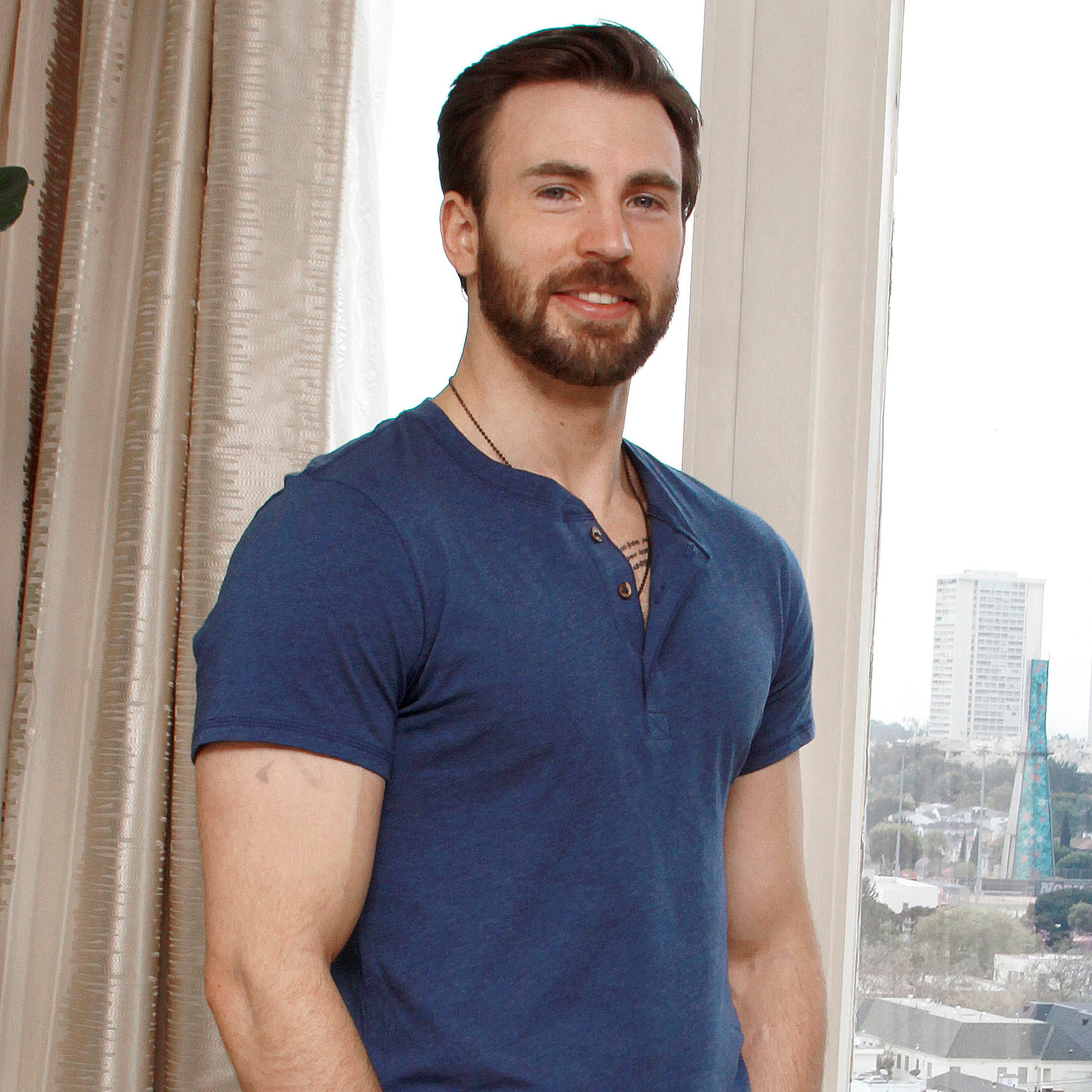 Chris Evans Photos HD Full HD Pictures 2048x2048