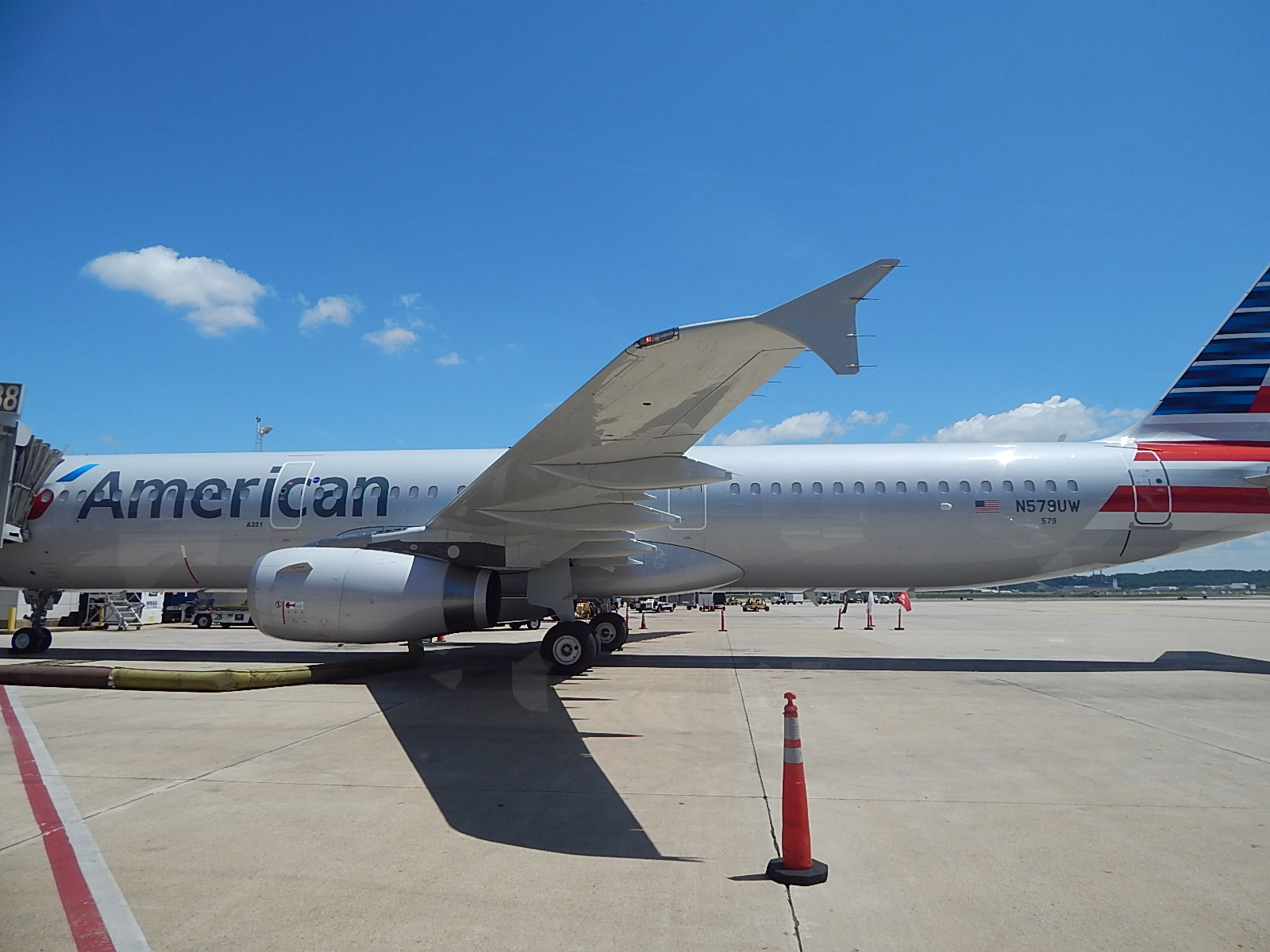 A Us Airways A321 In The New Livery Sits At Dca   Airbus A320 1600x1200