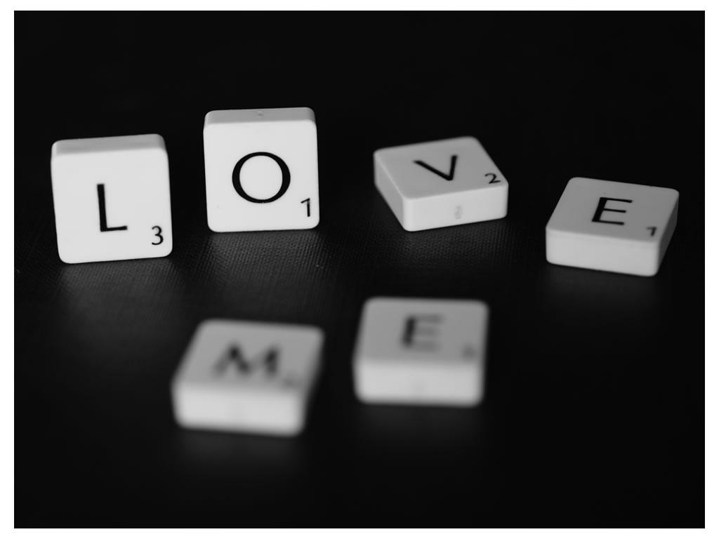 Love Me Papel de Parede 1024x768