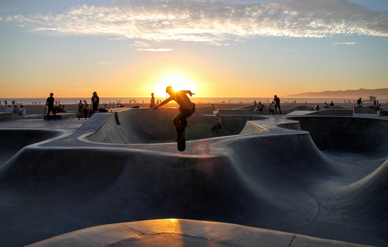 Wallpaper sky sunset park clouds people skate skateboard 1332x850