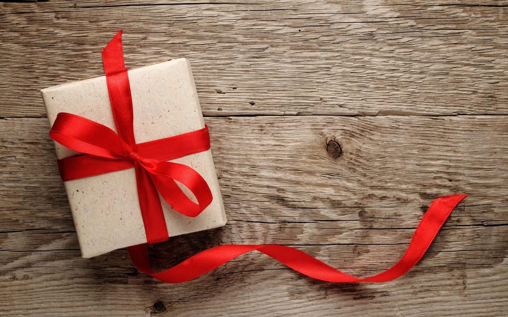 Free Download Holiday Gift Love Ribbon Texture Wood