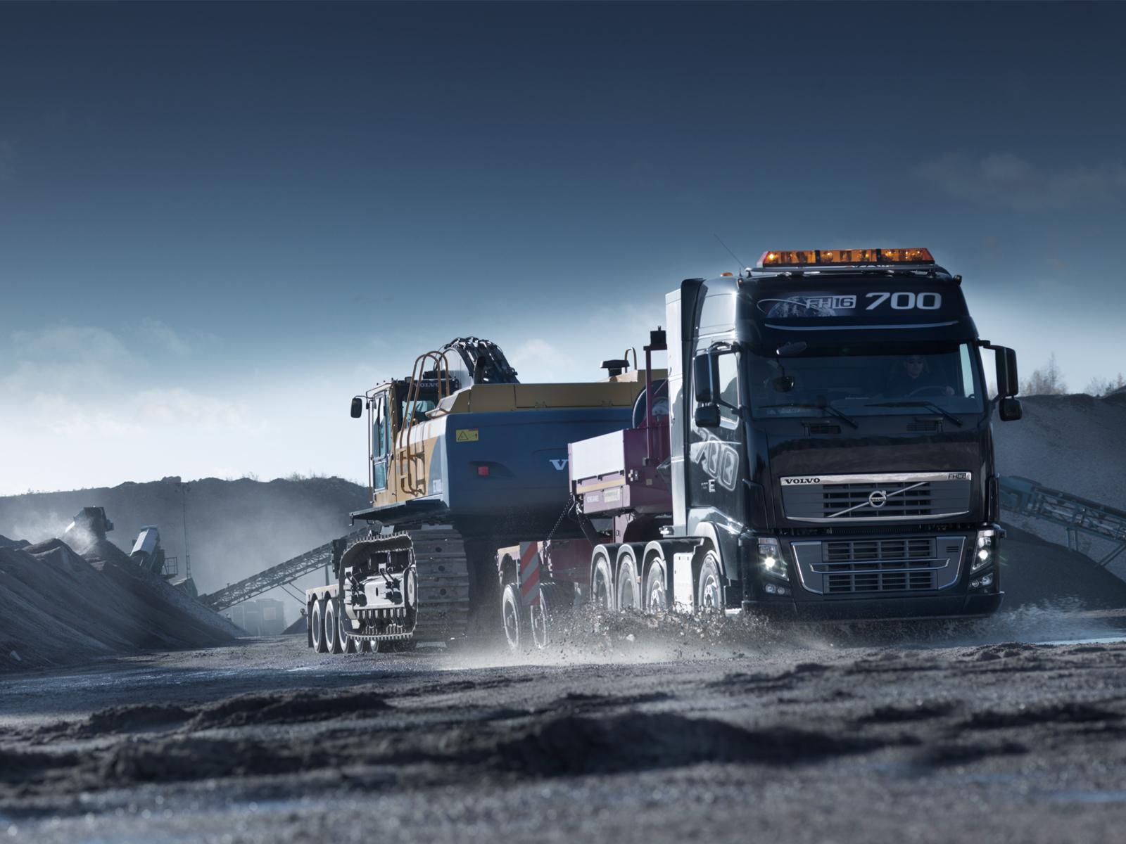 FH16 700 Volvo Truck Desktop Wallpaper 1600x1200