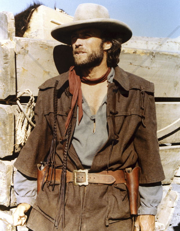 The Outlaw Josey Wales   Color   Wall Mural Photo Wallpaper 620x797