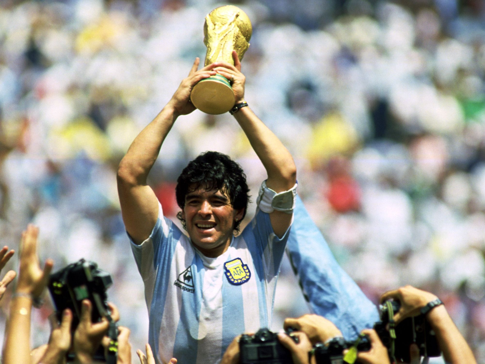 Diego Armando Maradona Wallpapers and Background Images   stmednet 2000x1500