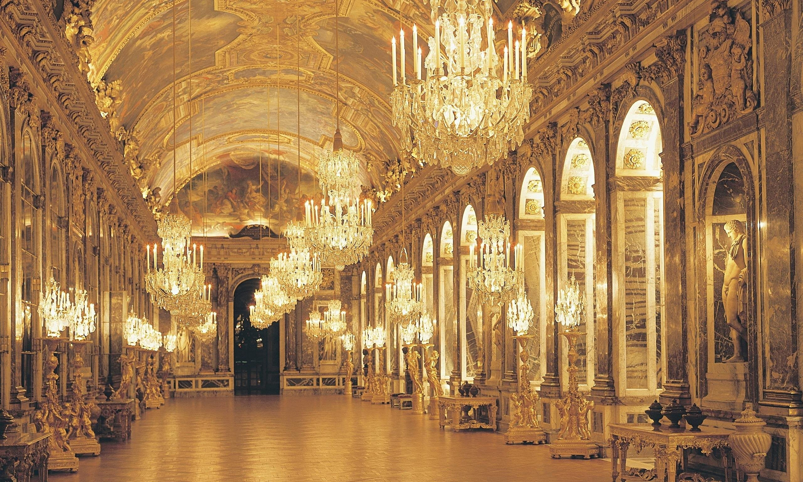 Clear crystal chandelier architecture France chateau Palace of 2560x1536