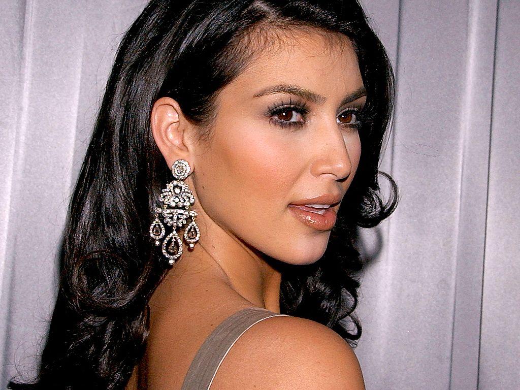Kim Kardashian HD Wallpapers Hd Wallpaper 1024x768