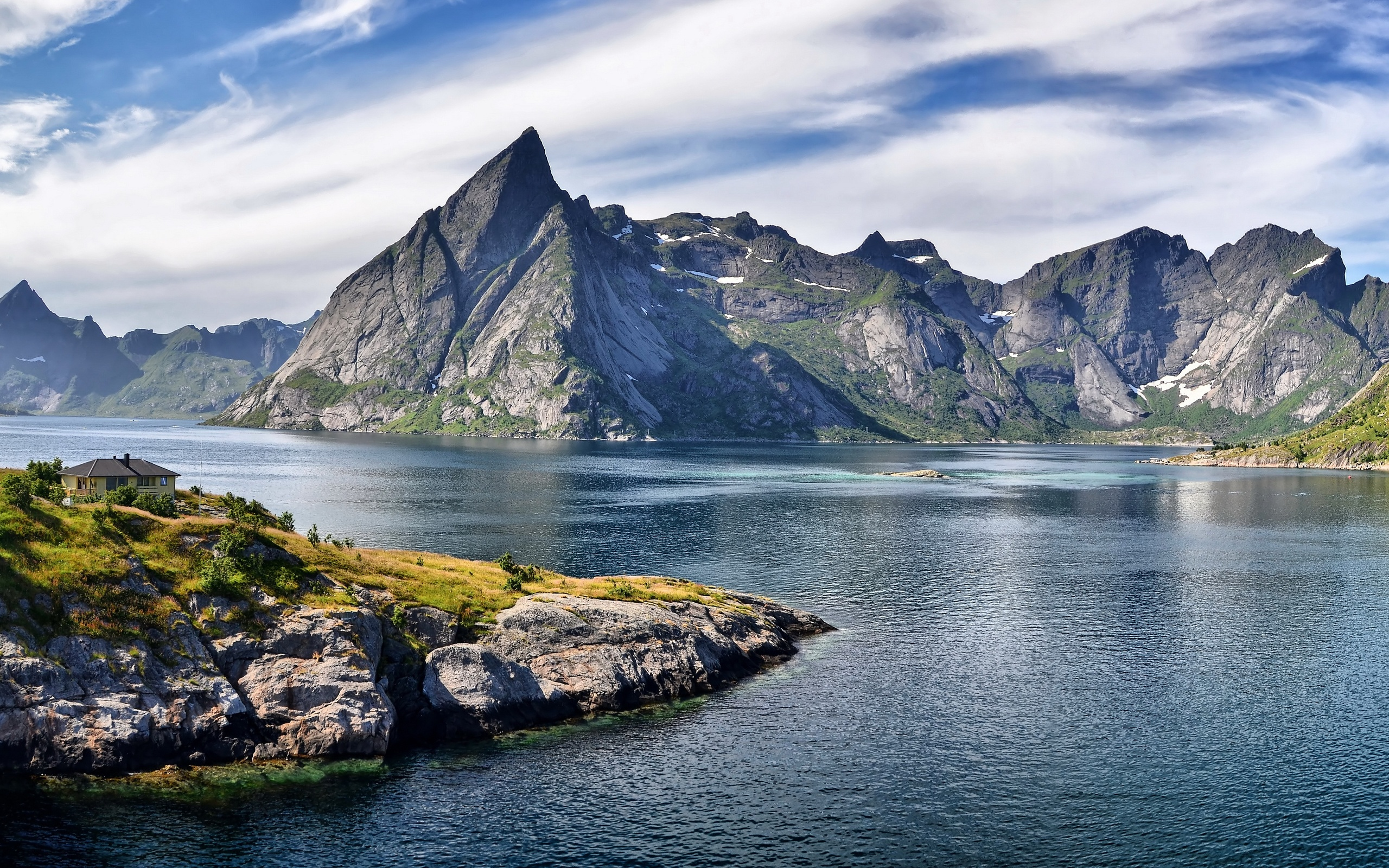 Beautiful Mountains Lake Wallpapers   2560x1600   2049891 2560x1600