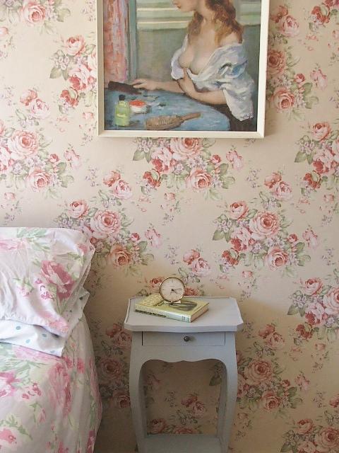 Cabbage Rose Wallpaper In Bedroom Wallpapersafari
