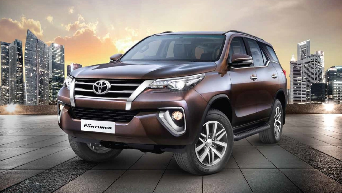 Toyota Fortuner Images Interior Exterior Photo Gallery   CarWale 1152x650