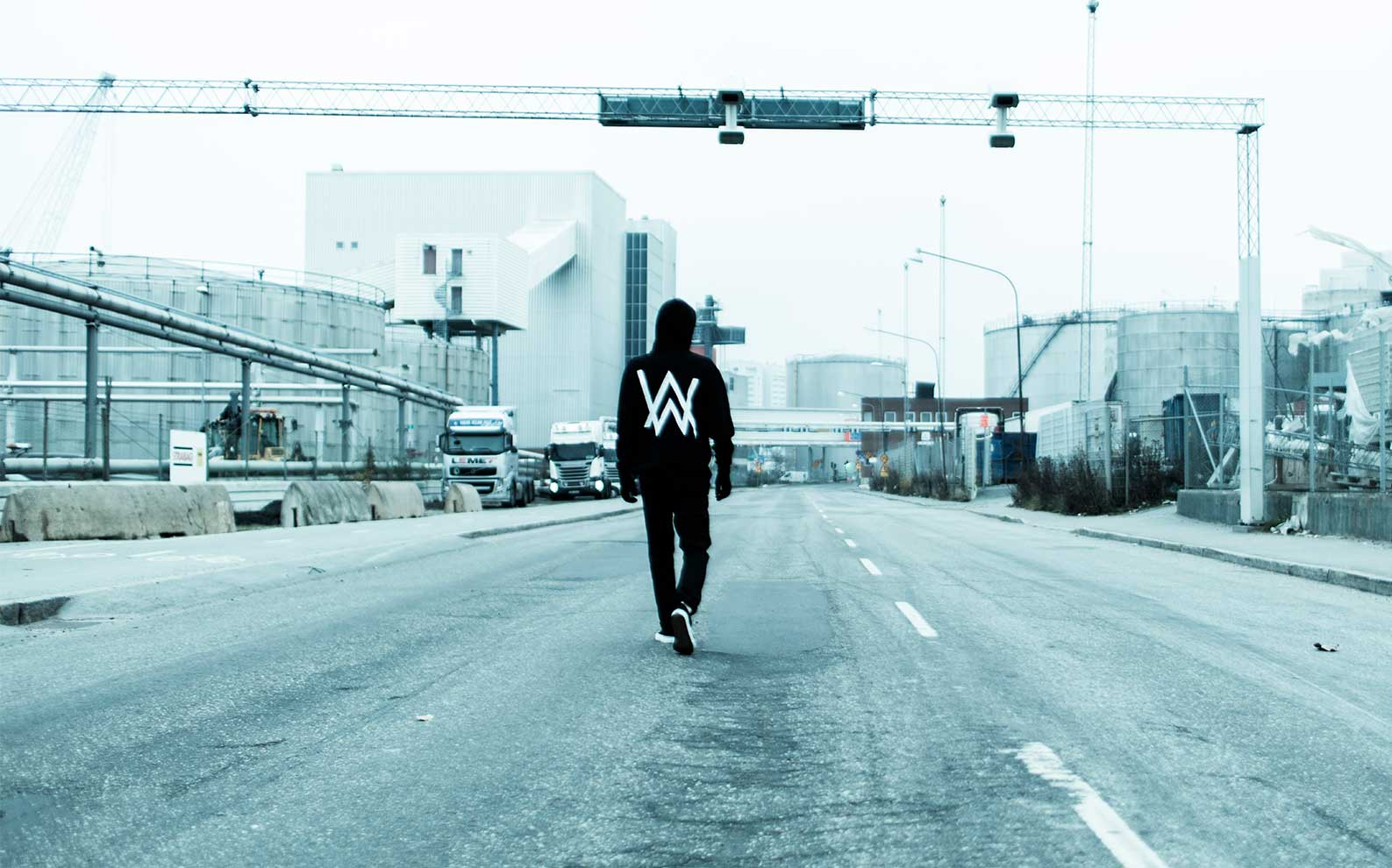 Alan Walker Wallpapers Full HD Pictures 1587x990