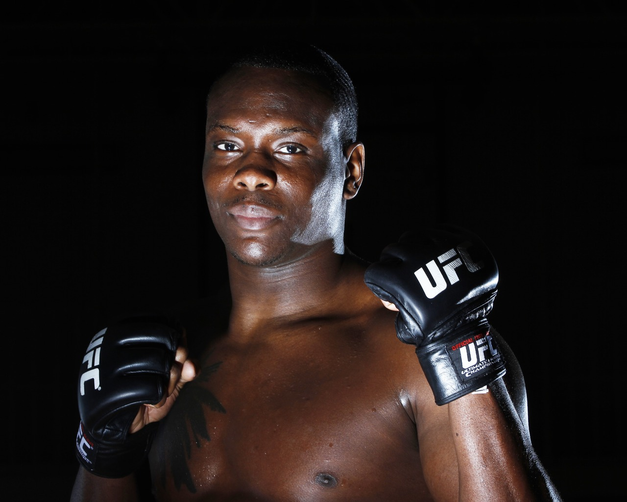 Download wallpaper 1280x1024 ovince saint preux ultimate fighting 1280x1024