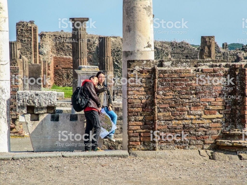 Selfie Photos Of Tourists On The Background Of Antique Pompeii 1024x768
