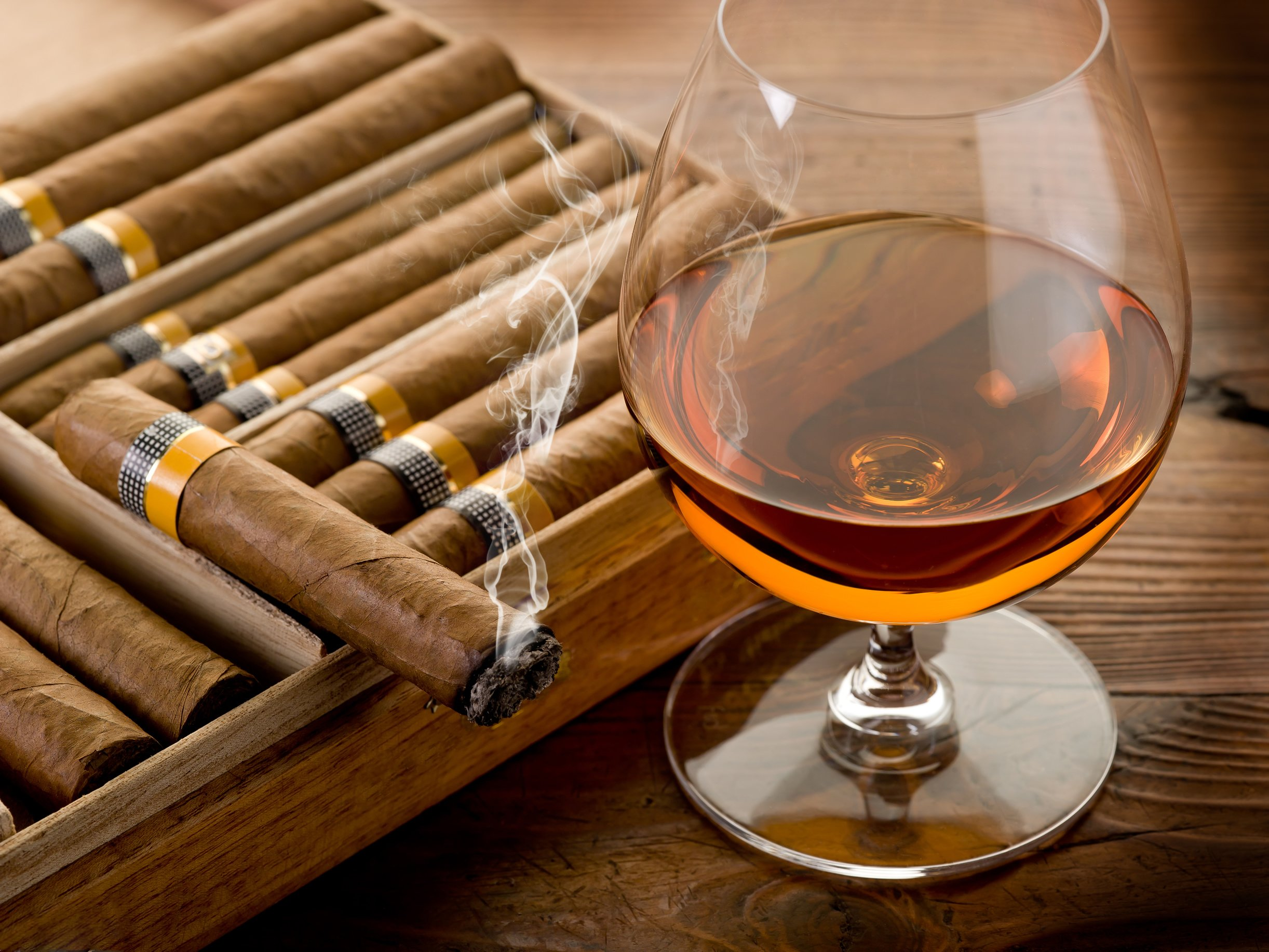 tobacco bokeh smoke smoking cigar drink alcohol drinks glass wallpaper 2444x1833