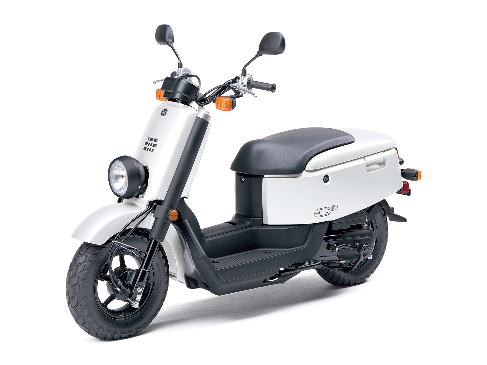 Scooter wallpapers Specifications review features benefits 1600x1200