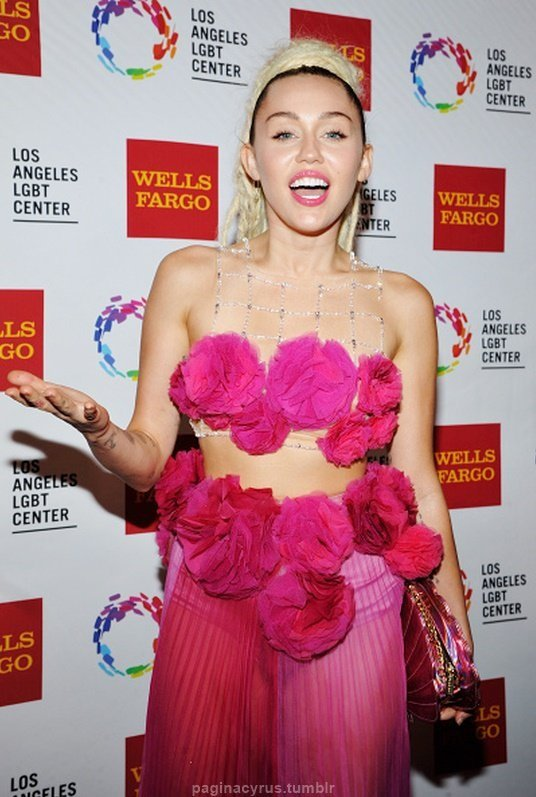 Miley Cyrus Vanguard Awards 2015 in LA 536x797