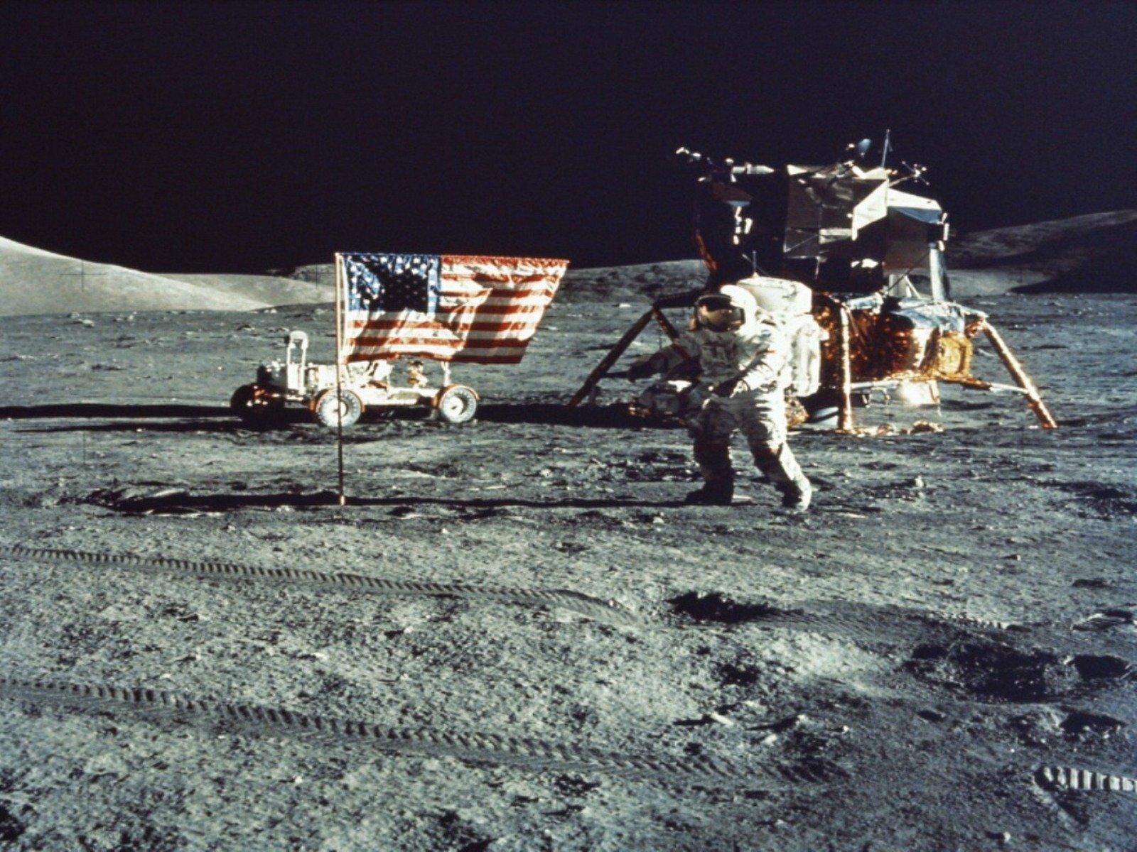 moon astronaut man nasa america mission apollo wallpaper background 1600x1200
