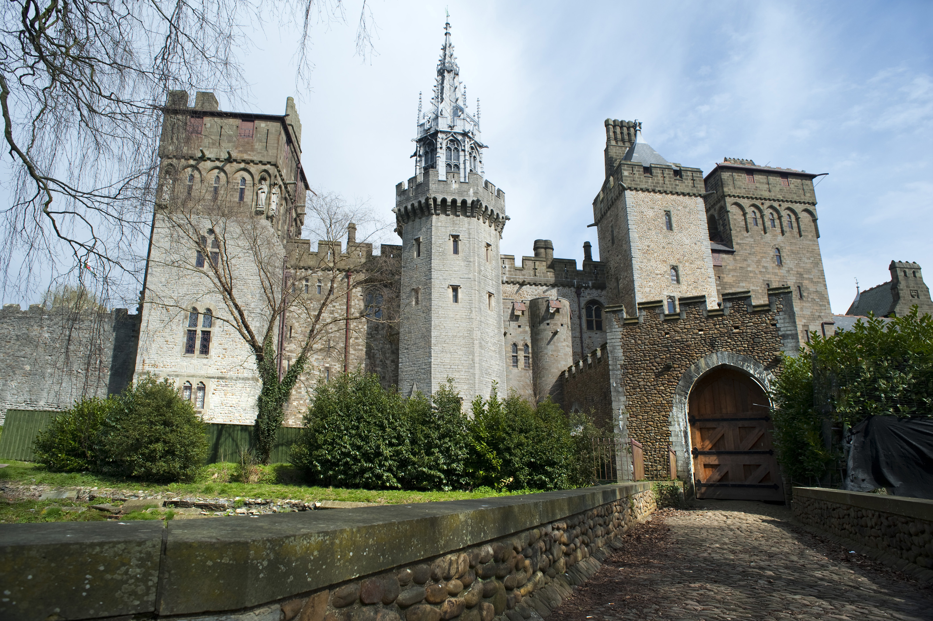 Cardiff Castle Apartments Wallpaper Travel HD Wallpapers 3200x2129