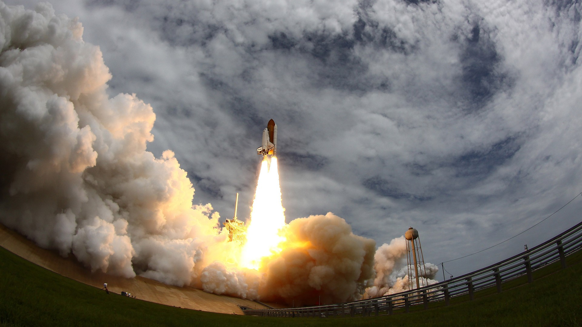 Wallpaper space shuttle launch free desktop background