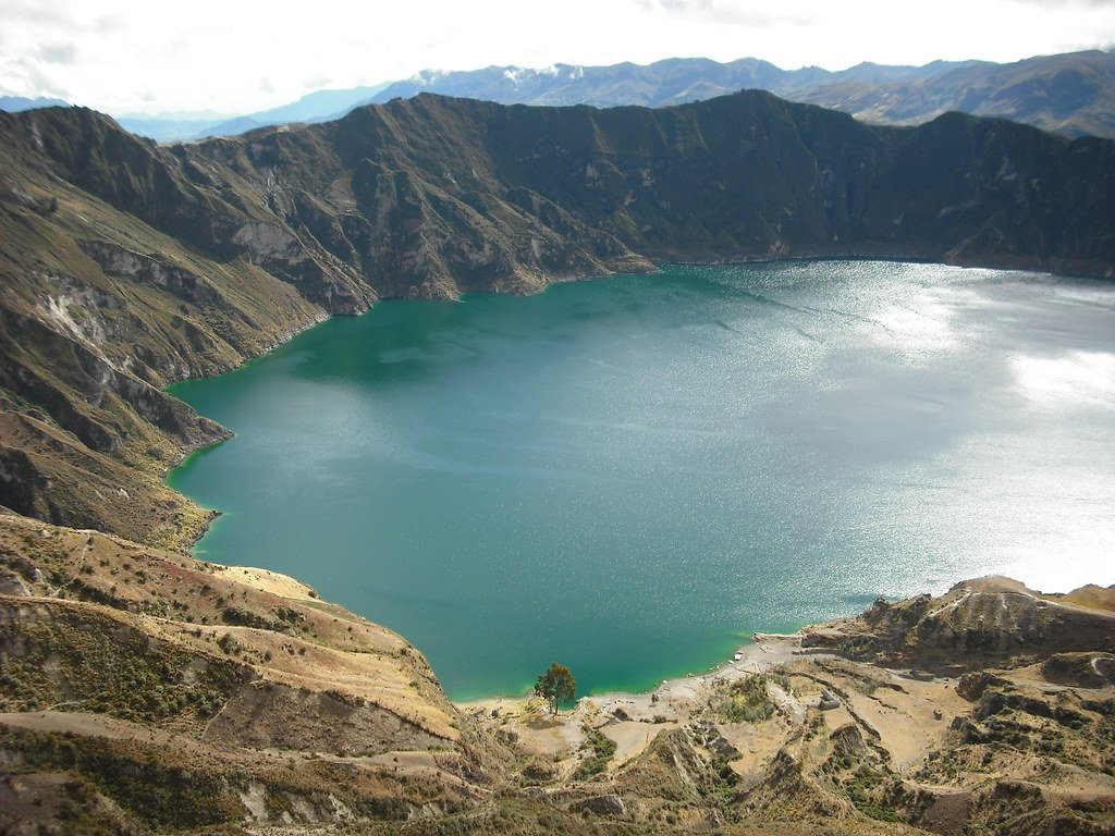 Quilotoa crater lake Ecuador None more green mastersamwise 1024x768