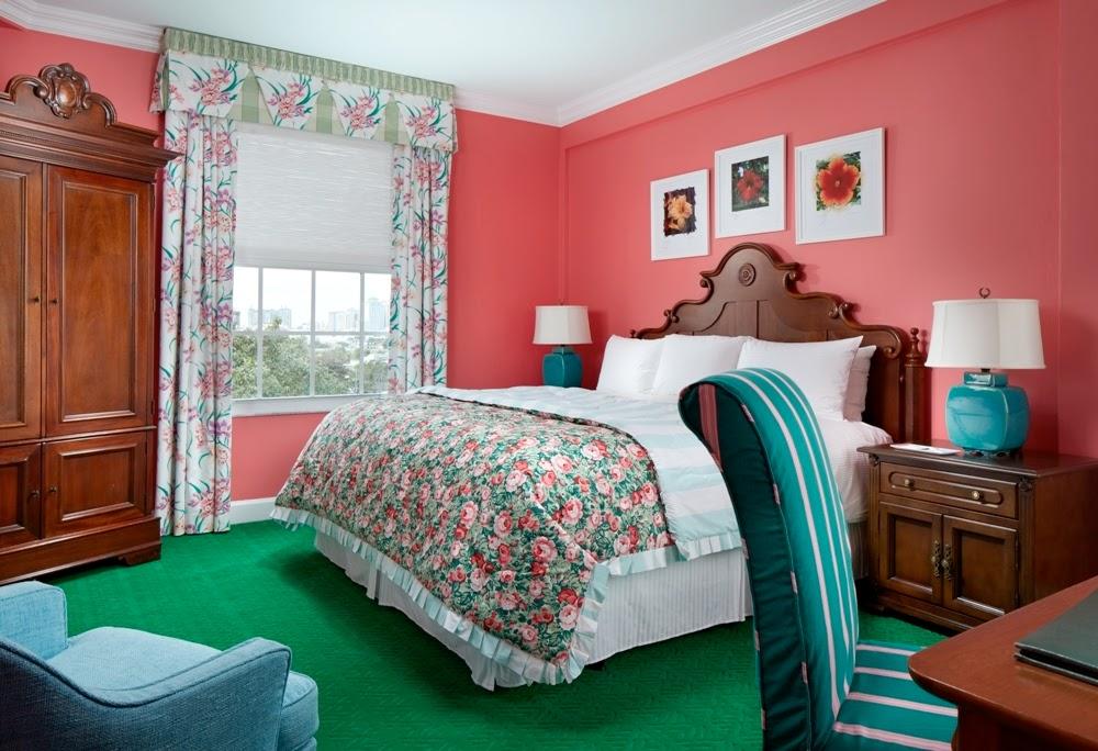 Carleton Varney Rejuvenates The Colony Hotel in Palm Beach 1000x684