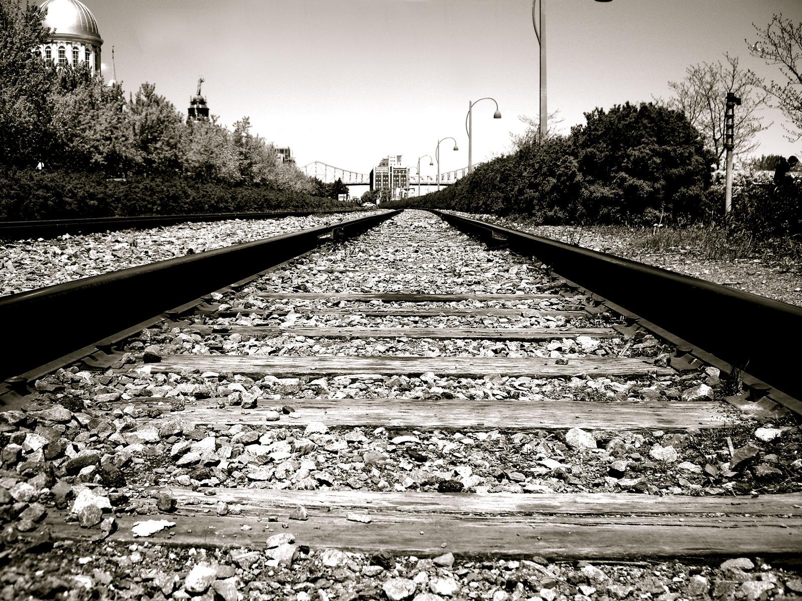 railroad tracks HD Wallpaper   Trains Buses 188078 1600x1200