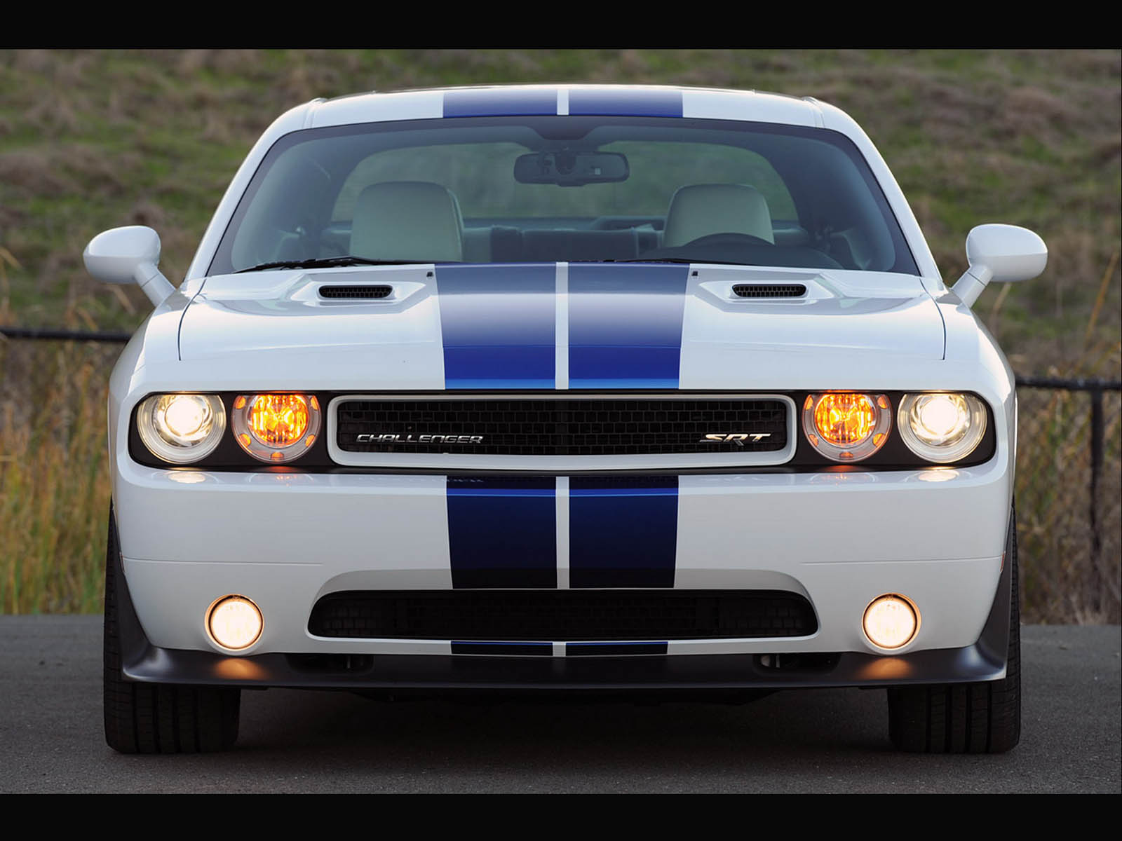 the dodge challenger srt8 car wallpapers dodge challenger srt8 1600x1200