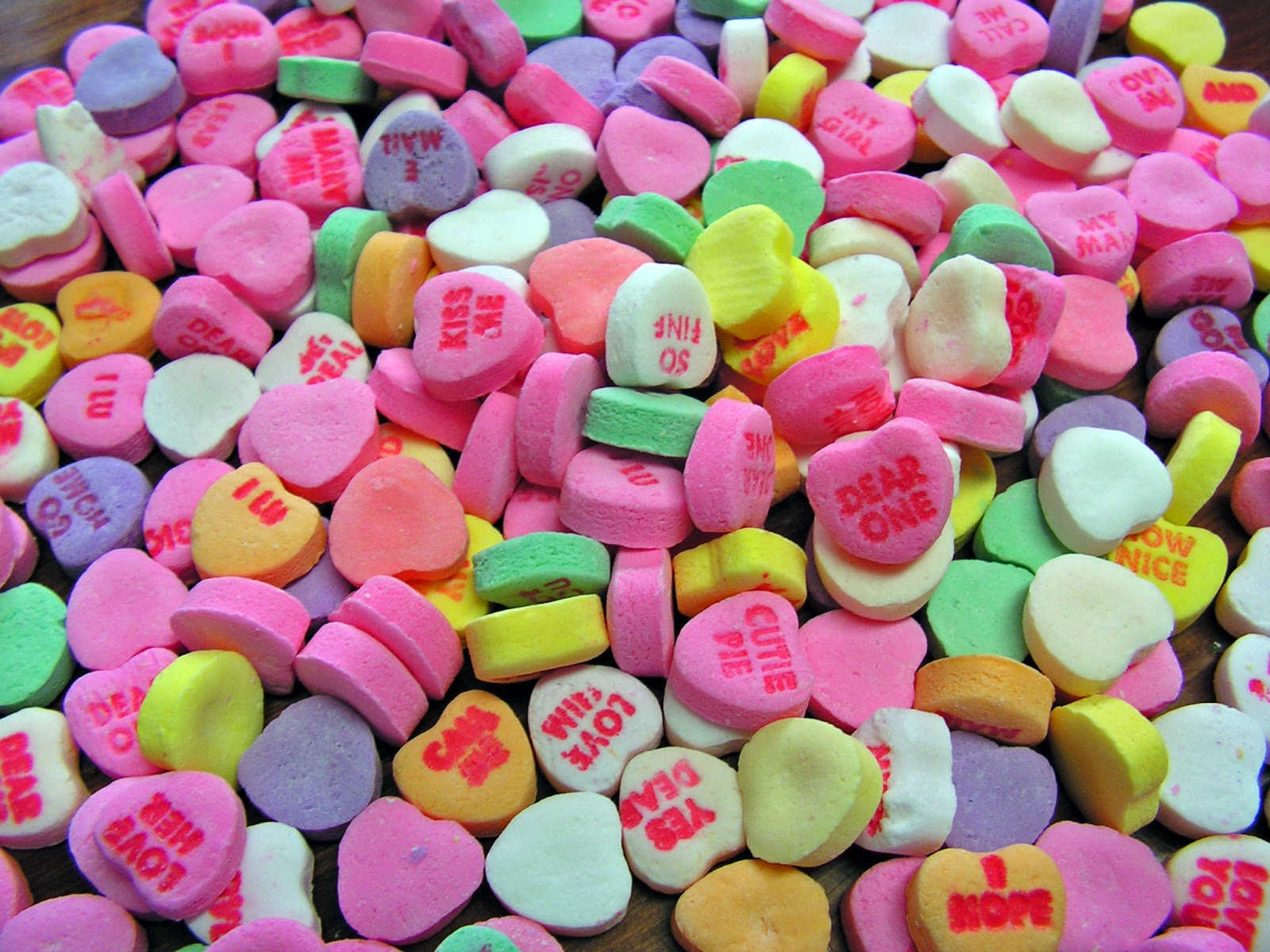 Candy Hearts Wallpaper 1600x1200