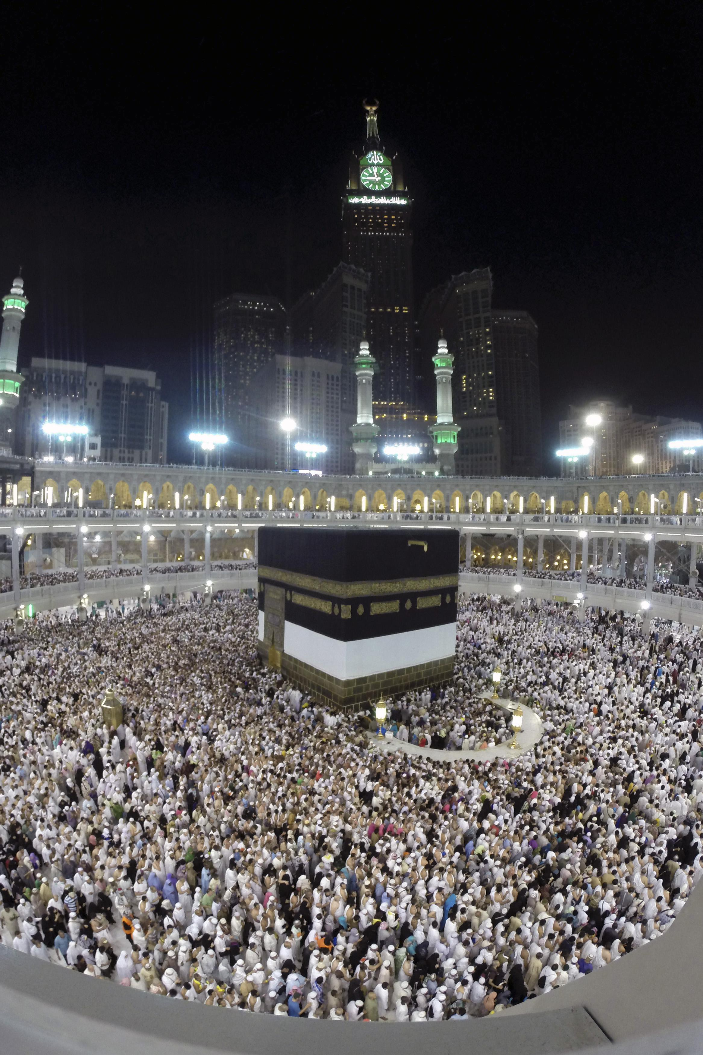 Mecca renovations Centuries old buildings bulldozed for new 2333x3500