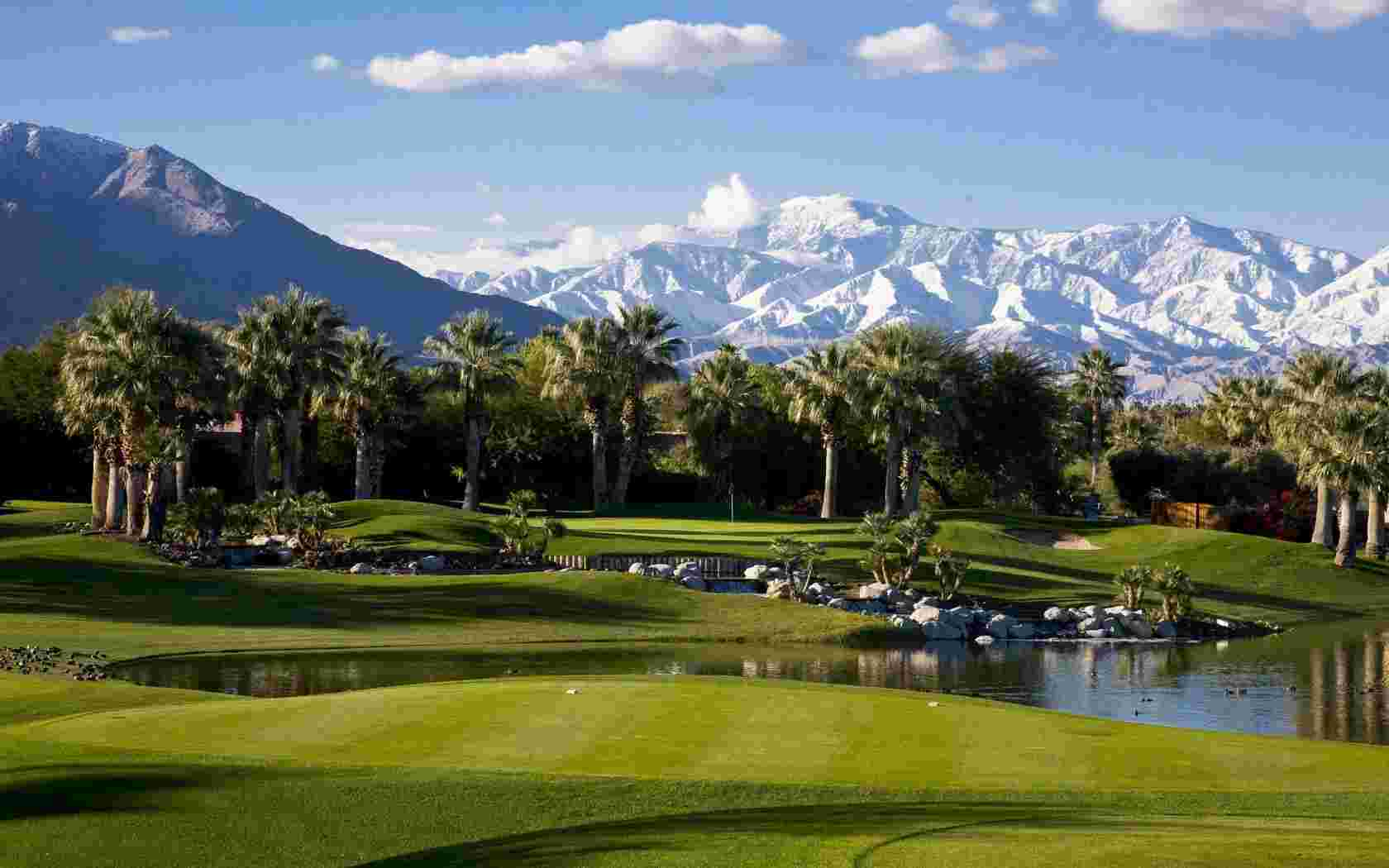 Golf Courses in in Palm Springs wallpaper   Lakes   Nature   Wallpaper 1680x1050