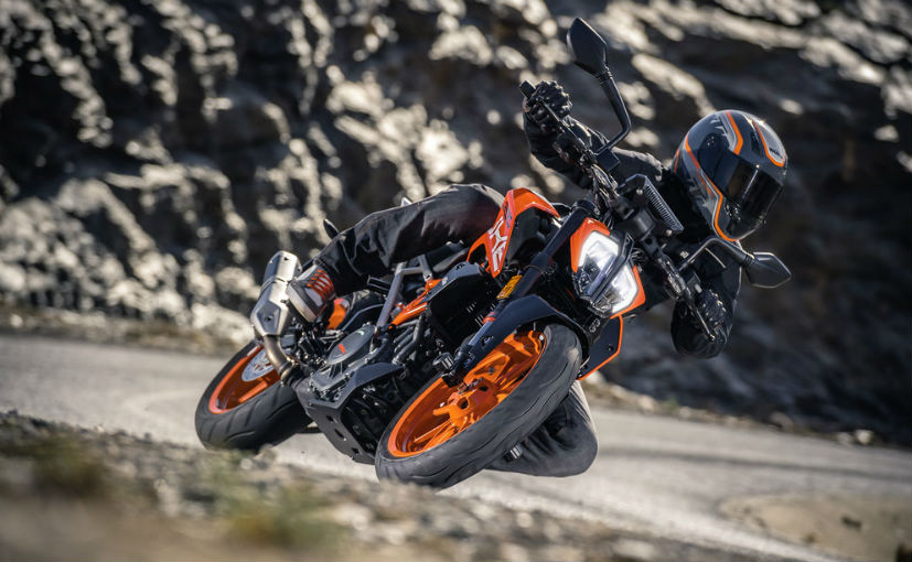 The New 2017 KTM Duke 200 250 and 390 Launched The Wheelz 827x510