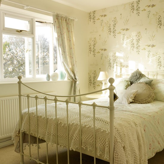 Iron bed Bedroom PHOTO GALLERY Style at Home Housetohomecouk 550x550