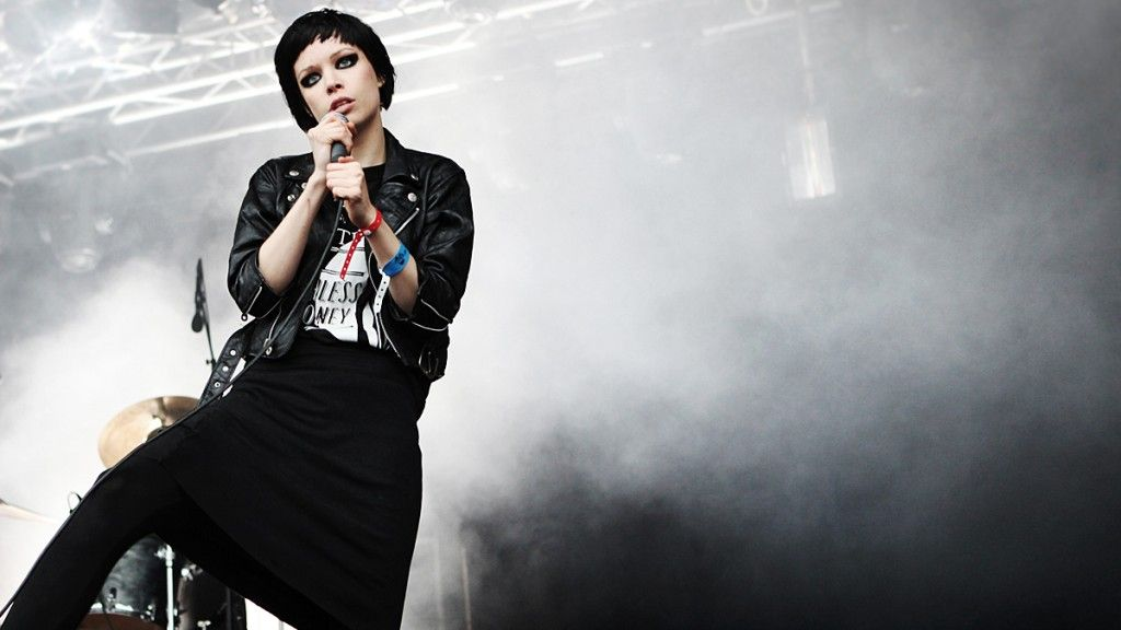 Alice Glass Wallpapers 1024x576