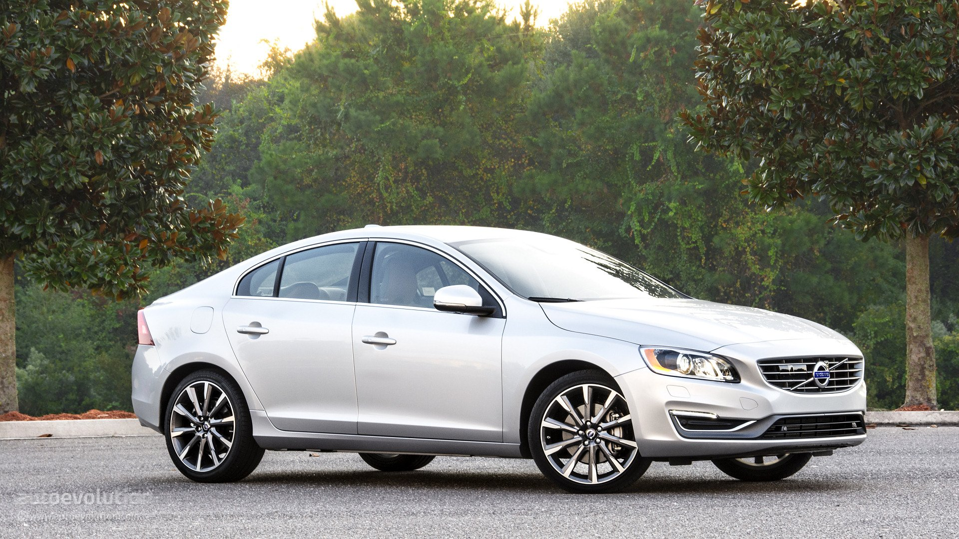2015 Volvo S60 T6 Drive E Wallpapers 1920x1080