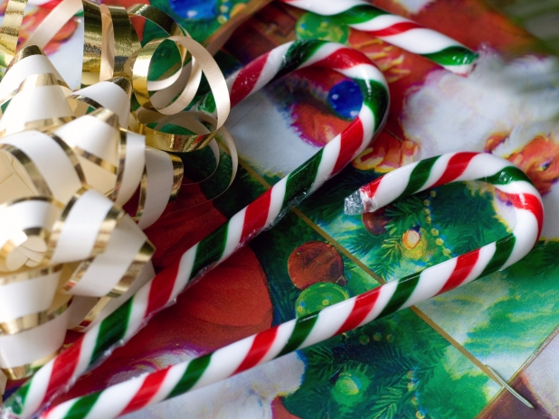 Candy Canes and Present 618x464