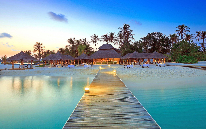 Maldive Islands Resort HD Wallpaper 2880x1800