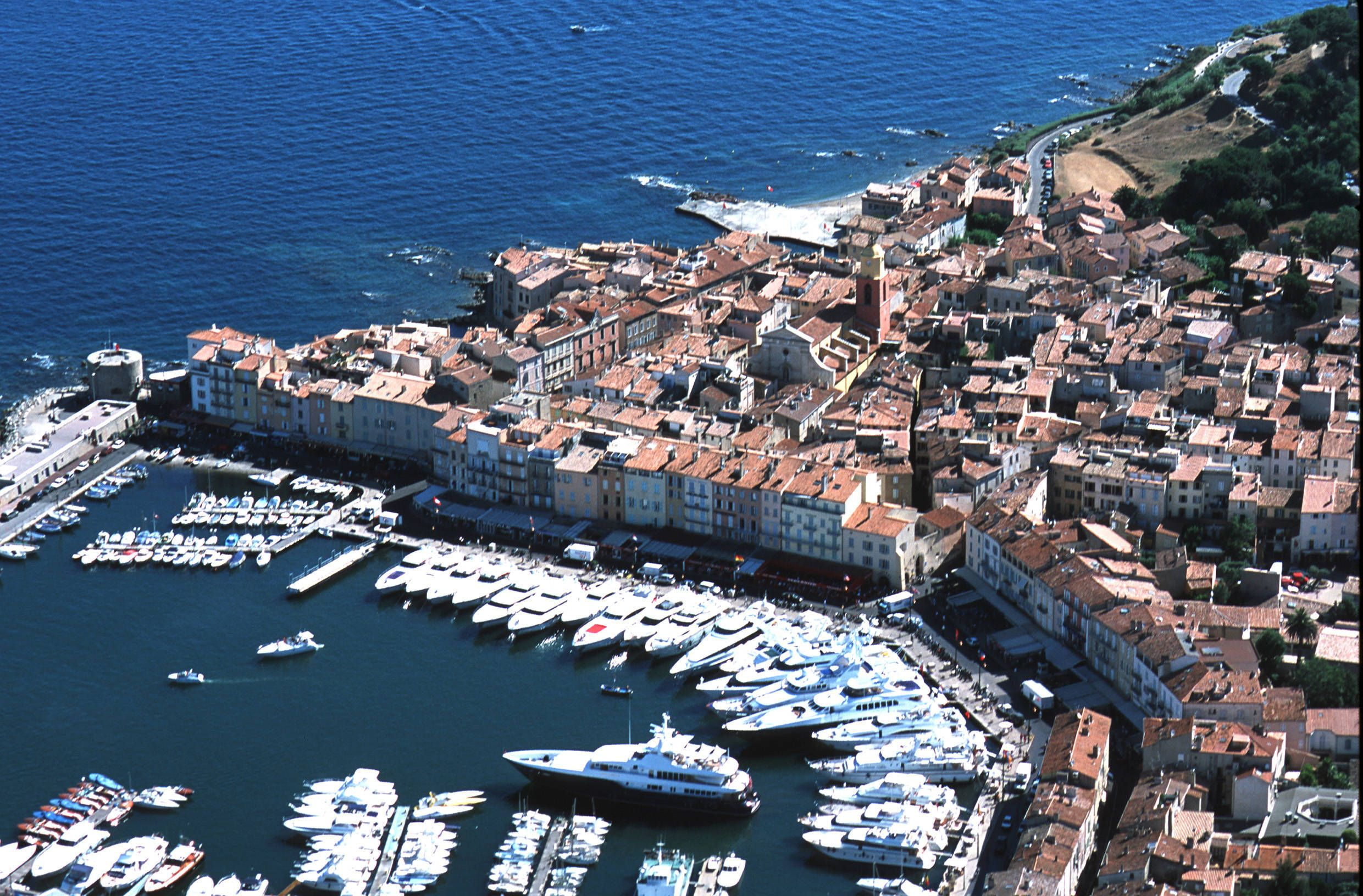 In the resort town of Saint Tropez France wallpapers and images 2480x1632