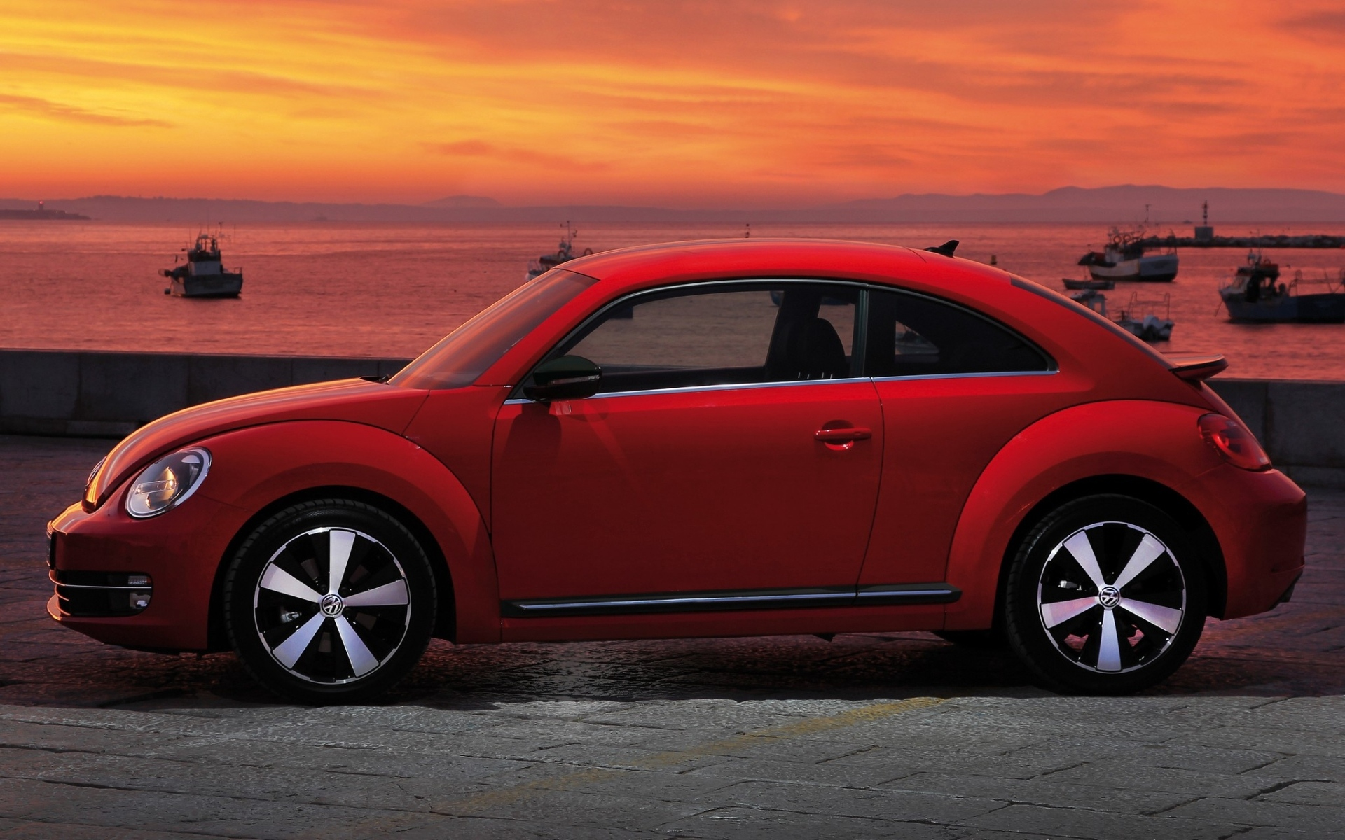 Volkswagen Fusca Red Side View   Stock Photos Images HD 1920x1200
