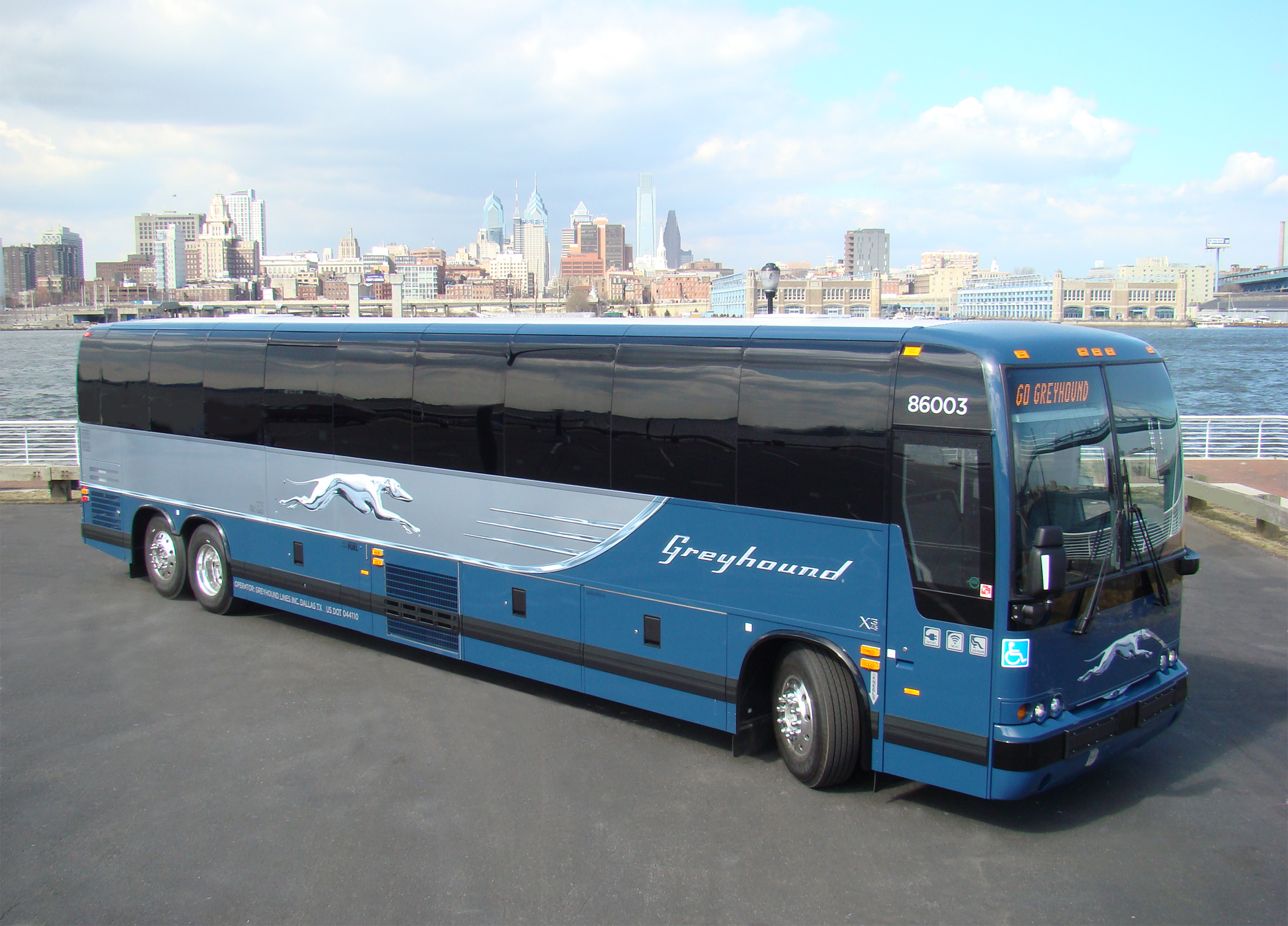 Greyhound Bus HD Wallpapers Backgrounds 2100x1509