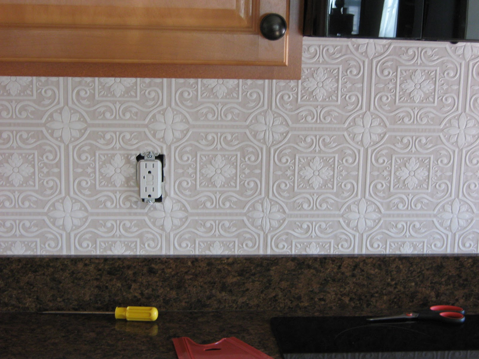 wallpaper with a punched tin pattern Theres quite a few designs 1600x1200