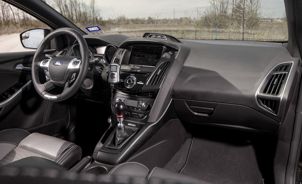 ford focus st black interior