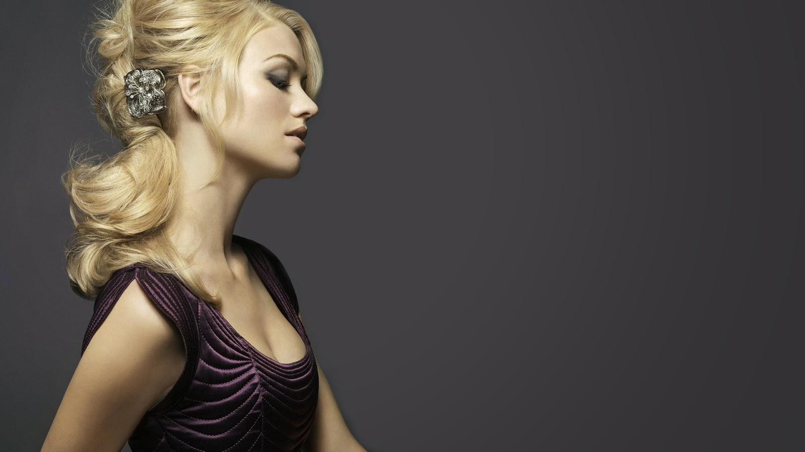 12 Beautiful Yvonne Strahovski Wallpapers HD   Tapandaola111 1600x900