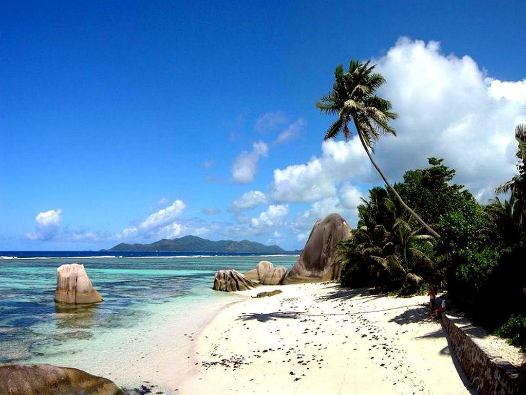 Tropical Islands Tropical Islands Natural Landscape 1024x768