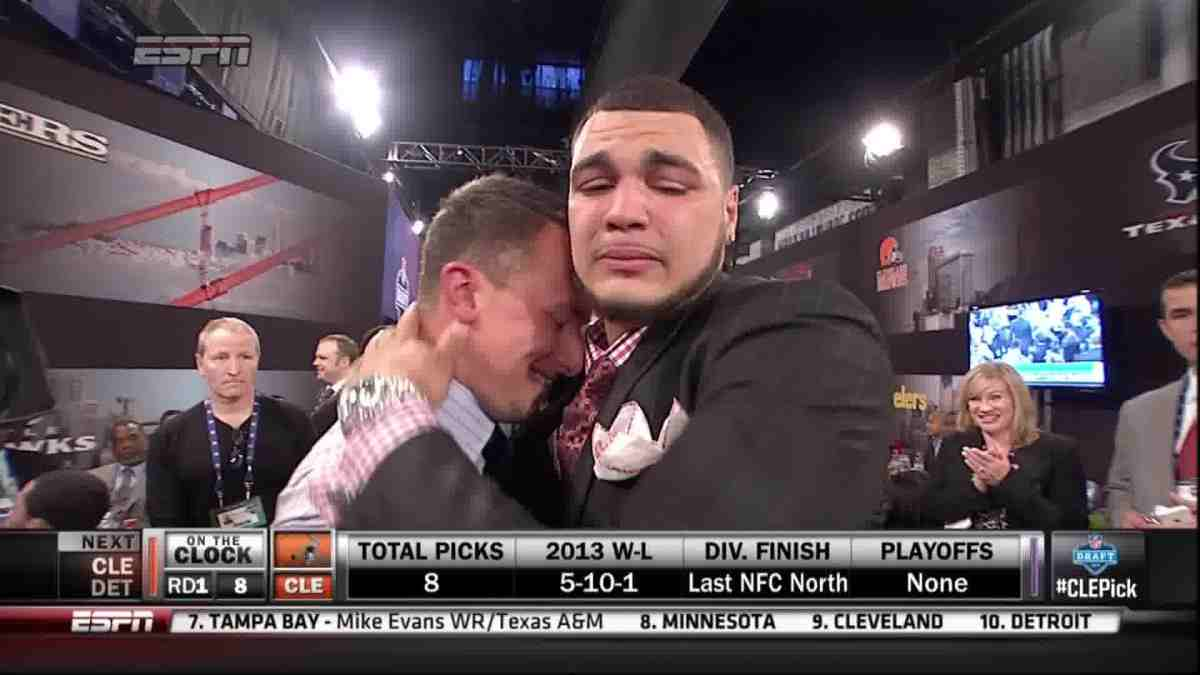 Free Download Johnny Manziel And Mike Evans Hugging The Big Lead 1200x675 For Your Desktop Mobile Tablet Explore 95 Mike Evans Wallpapers Mike Evans Wallpapers Austin Evans Wallpapers Mike Wallpaper