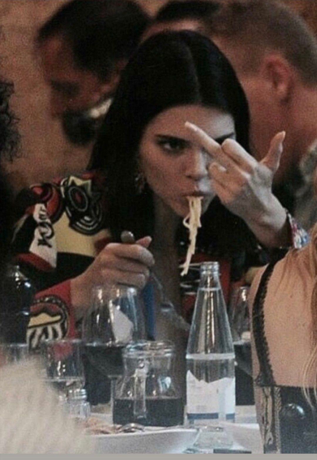 Kendall Jenner flipping off paparazzi in 2020 Kendall jenner 1080x1563