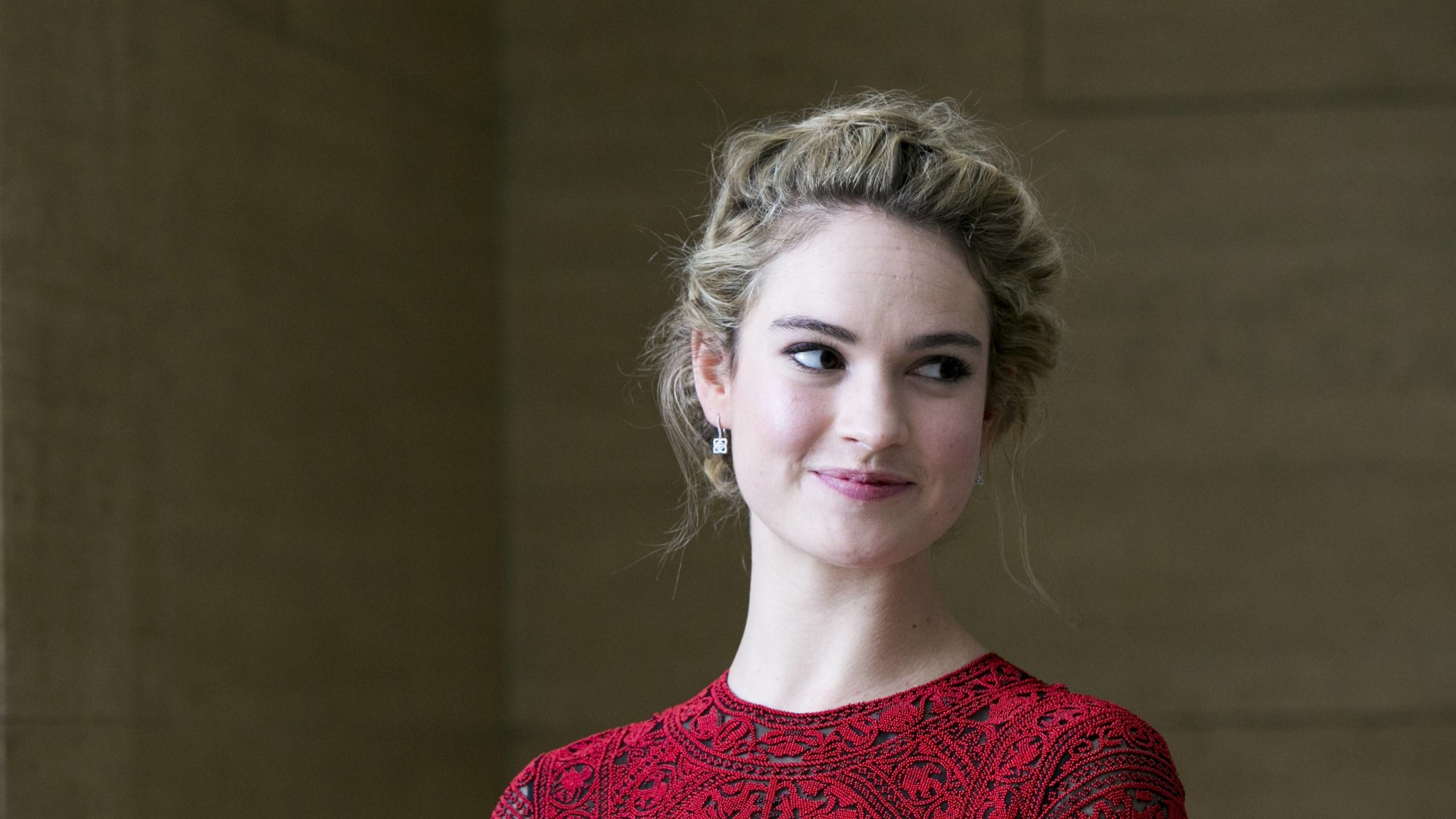 2560x1440 2019 Lily James 1440P Resolution Wallpaper HD 2560x1440